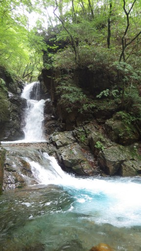 ツガオネノ滝